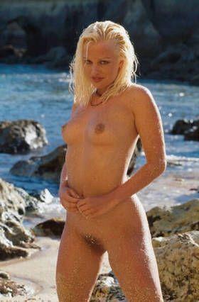 jeune-blonde-super-sexy-nue.jpg